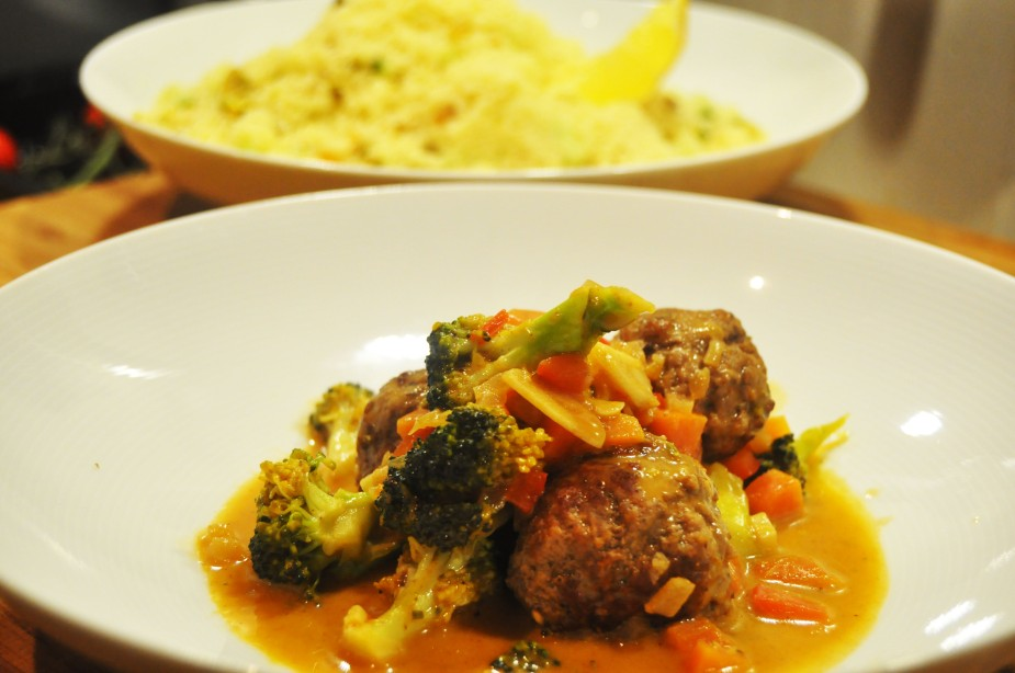 nord-afrikansk inspirert kjøttboller, cous-cous, geitemelk, pistasj, rosiner_ferdig1