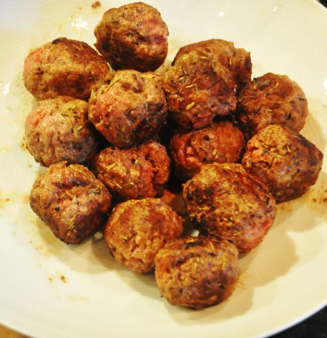 nord-afrikansk inspirert kjøttboller, cous-cous, geitemelk, pistasj, rosiner_kjøttboller