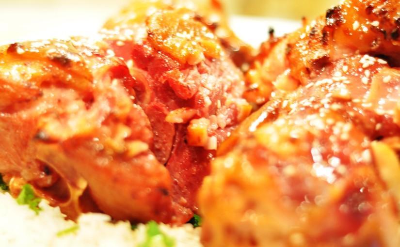 Svineknoke med honning glaze og en enkel og rask thaicurry