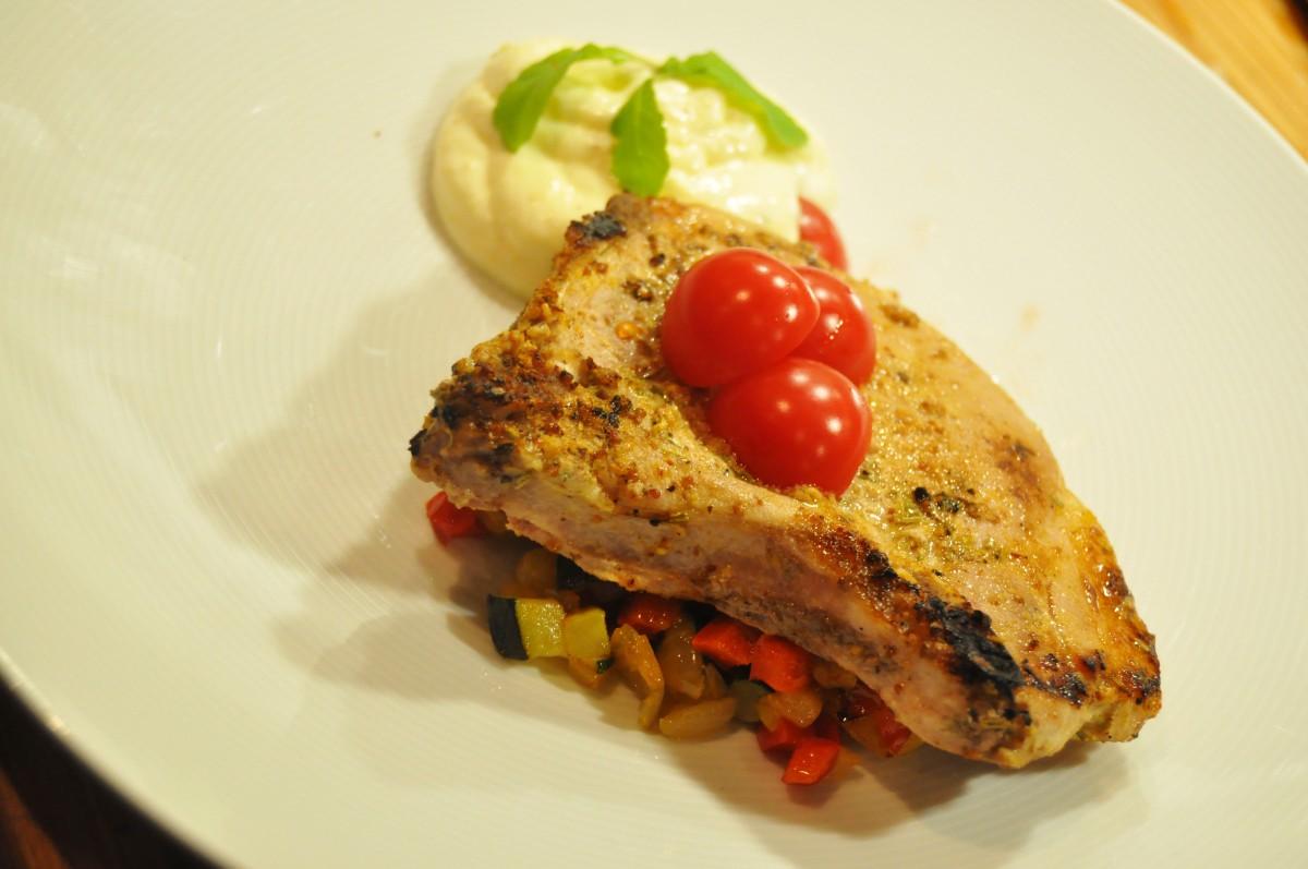 Hverdagsmat - Sous vide svinekoteletter med polenta (mousse) og stekte grønnsaker
