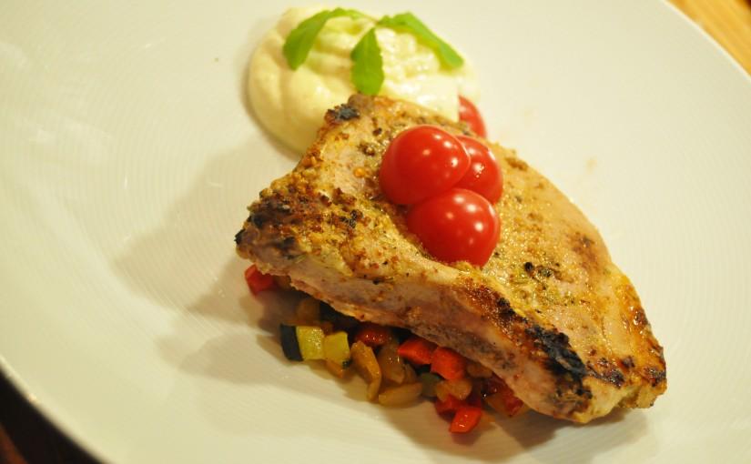 Hverdagsmat – Sous vide svinekoteletter med polenta (mousse) og stektegrønnsaker