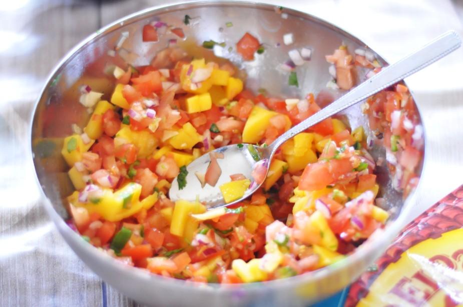 soft taco med hjemmelaget salsa_guacamole og coleslaw (5)