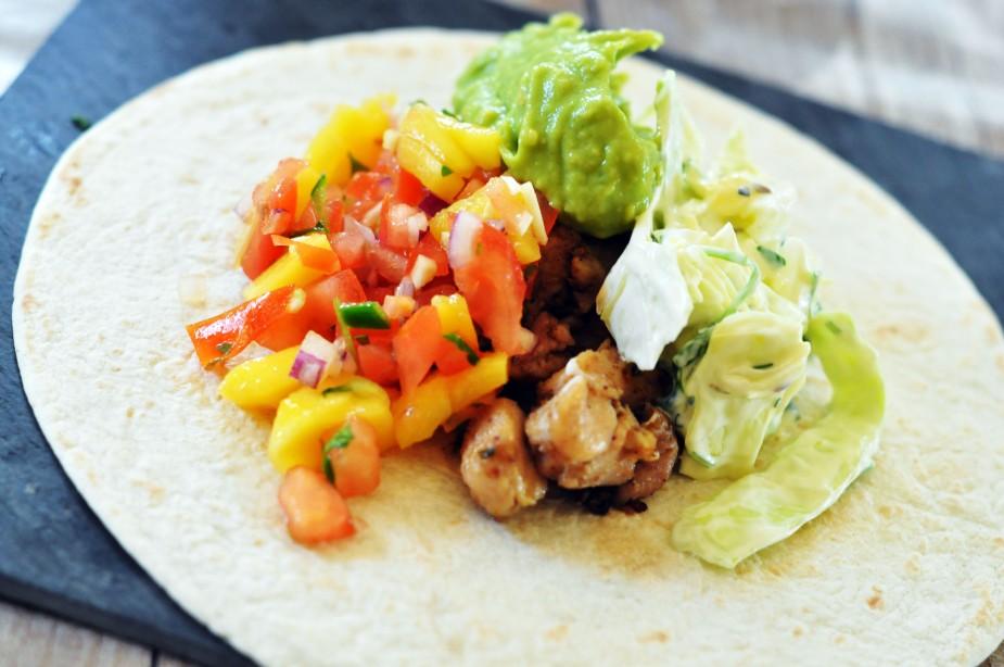 soft taco med hjemmelaget salsa_guacamole og coleslaw (7)