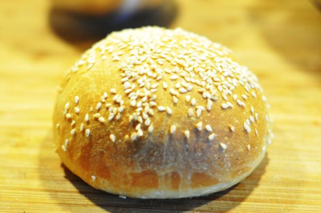 røyket hamburger med coleslaw, ridderost og hjemmelaget hamburgerbrød (9)