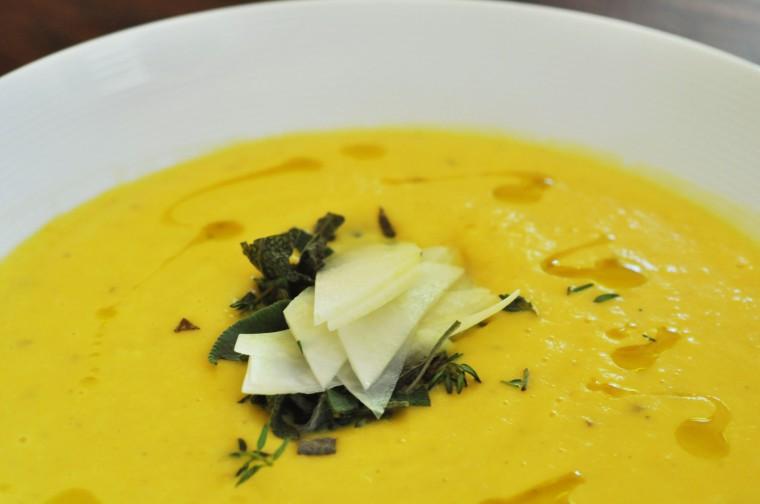 Kålrabisuppe med gulerøtter kål og poteter (12)