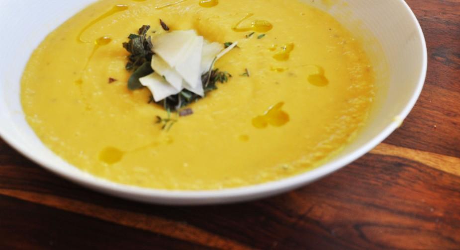 Kålrabisuppe med gulerøtter kål og poteter (3)