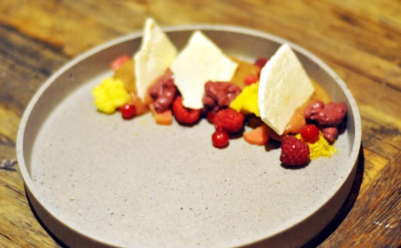 Fem retters meny – rett 5 – Sjokoladeparfait medsommerbær
