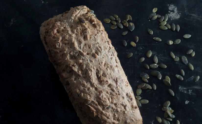 Eltefritt brød med byggmel oghavregryn