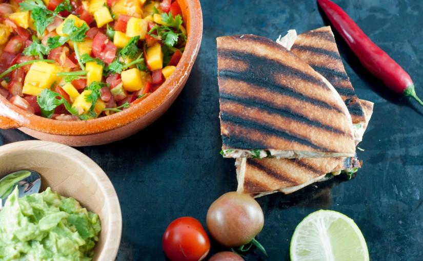 Hverdags quesadilla med hjemmelaget salsa ogguacamole