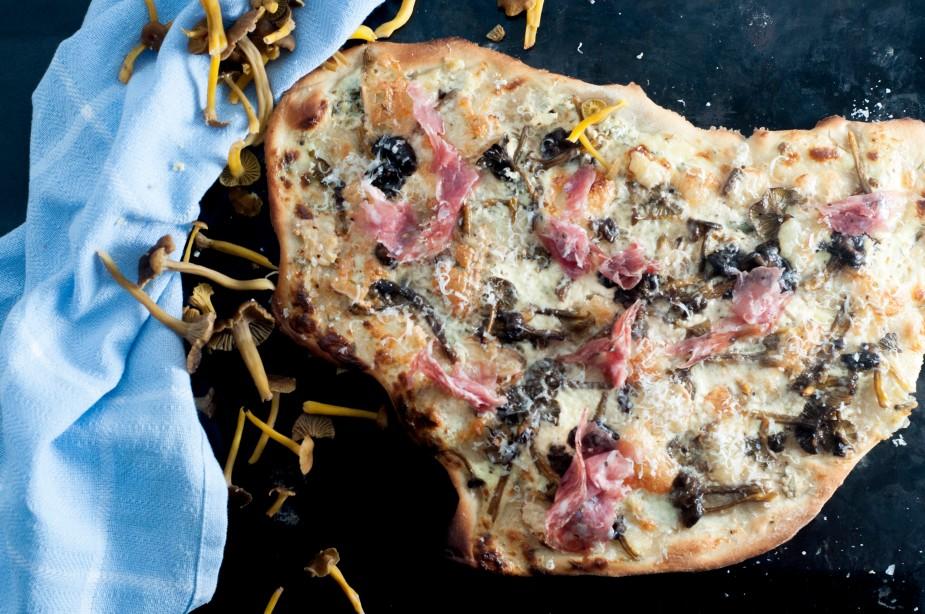 hvit pizza med traktkantarell og talleggio (16)_2