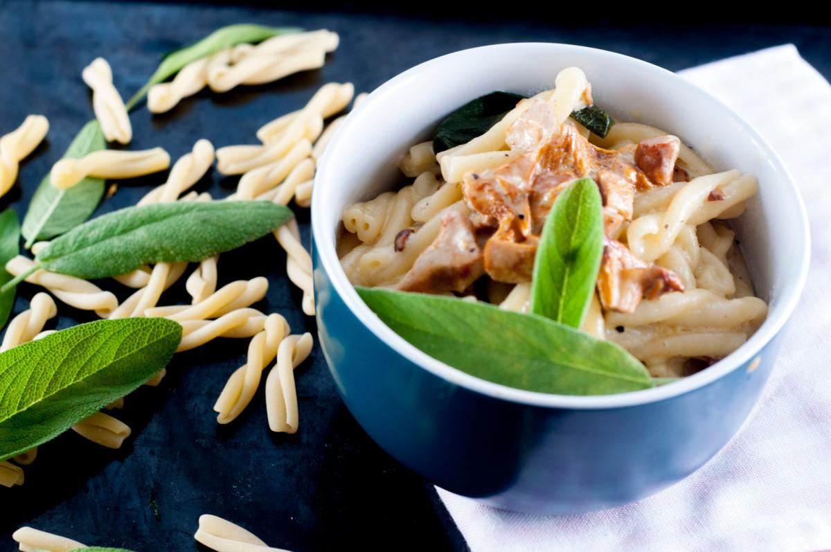 En enkel bolle pasta - Salvie, kantarell og brunt smør